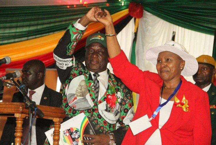 Kembo Mohadi&Oppah Muchinguri air lifted